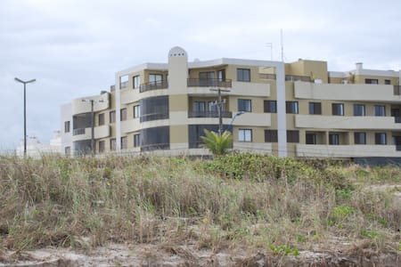 Apartamento à beira-mar em Gaivotas - Matinhos