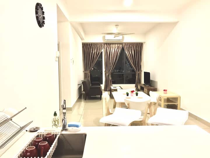 Luxury Spacious Twin Room near Subang Jaya/Sunway
