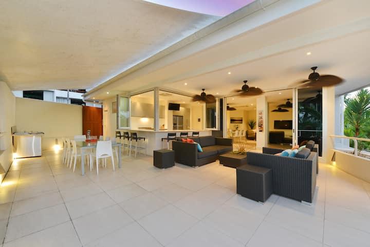 Sun Deck Suite | Entertainers Delight | 2 Bedrooms