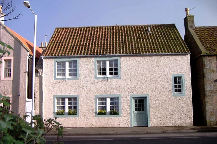 Sea Neuk, 14A Westgate South, Crail, KY10 3RF