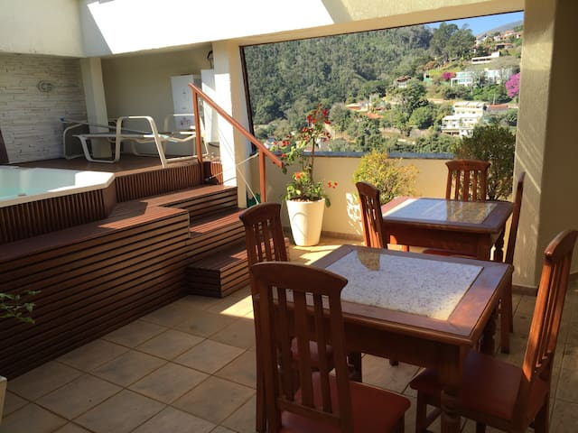 Roof top with spa and idyllic view! - Petrópolis - Byt