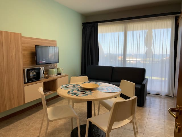 Home Away Livorno - One Bedroom Apartment with Living Room Sea View 4° Floor