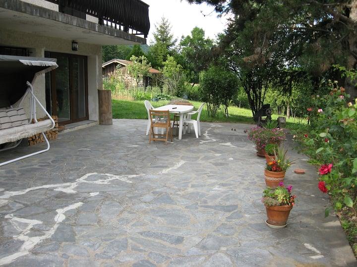 Welcome. Ground floorApt with front terrasse