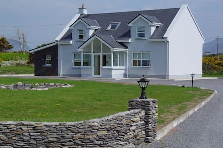 Murreigh House--your home in Ireland - Waterville - House