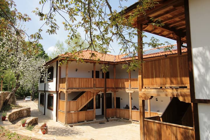 Forest House Tryavna