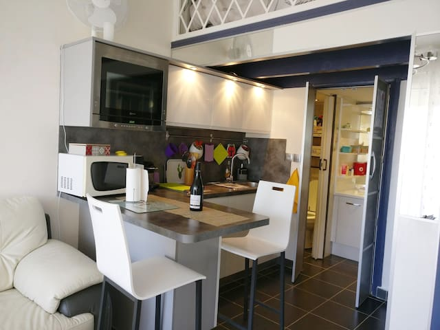 Studio cosy, terrasse et accès au Port de Gruissan