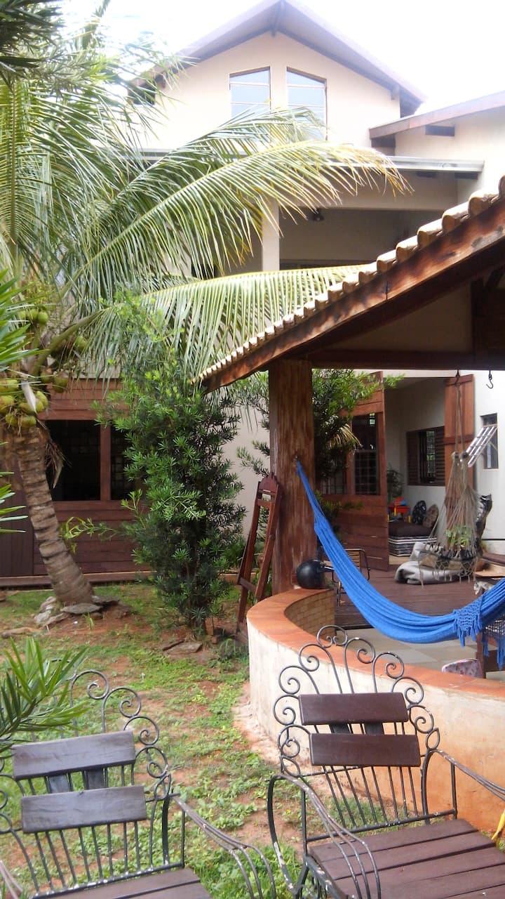 Apto\Casa-Próximo à Orla Morena-Quarto 06-Fundo