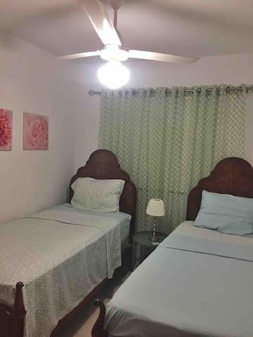 Habitación para dos con ventilador