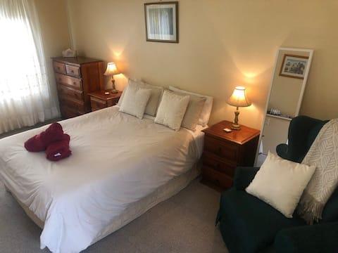 Woodridge Park - Basic Room