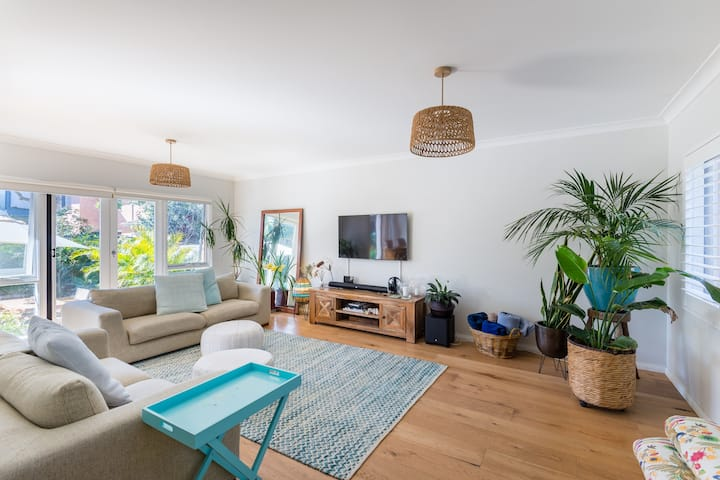 Spacious resort-like pet friendly family townhouse