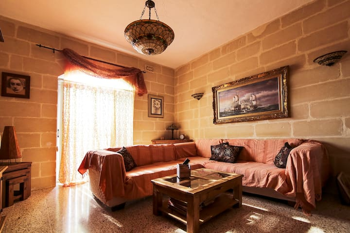 A cozy apartment in the heart of Marsaxlokk - Marsaxlokk - Departamento