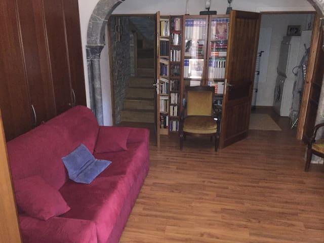 Canapé lit de la chambre bureau