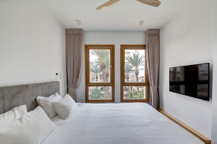 Andromeda Hill Jaffa - Spa +Swimming pool+Gym!