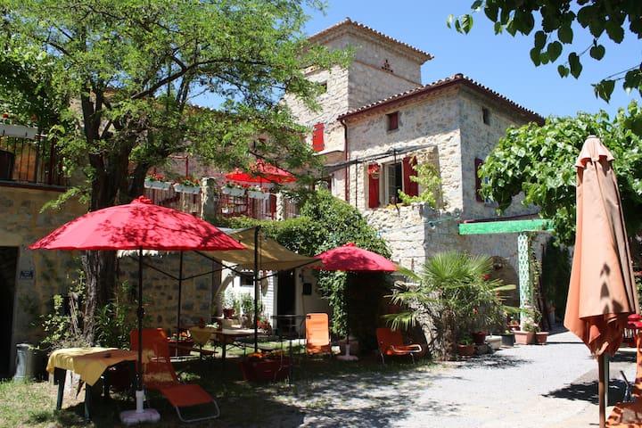 Urlaub im Süden Frankreichs/Ardèche - Saint-André-de-Cruzières