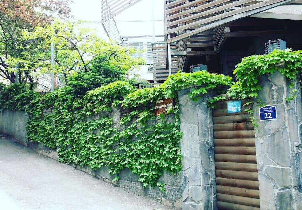 Exterior 外观全景@ Hongdae 弘大