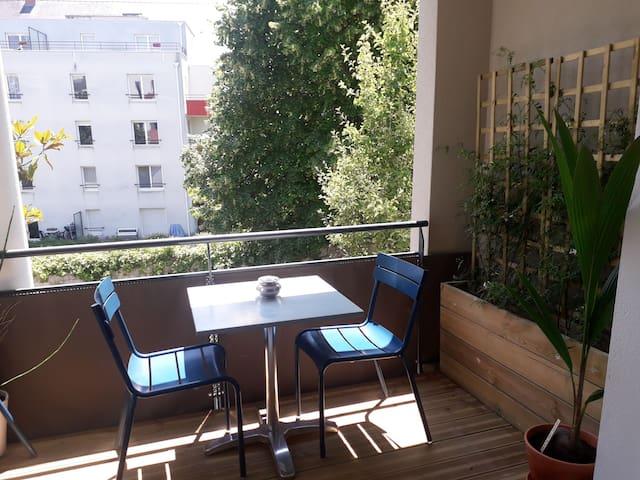 2 pièces avec balcon