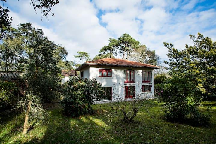 Light & Airy Garden Apartment in Hossegor for 5 - Soorts-Hossegor - Huoneisto