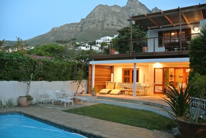 Villa On The Bay luxury villa. 1 min from beach.