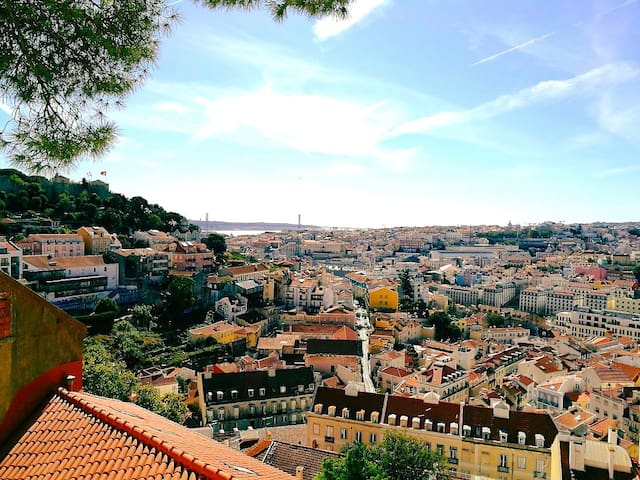 Bright room - Big Terrace - Heart of Lisbon