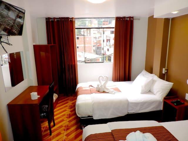 Habitacion Familiar- 3 personas- MachuPicchu - Aguas calientes - Bed & Breakfast