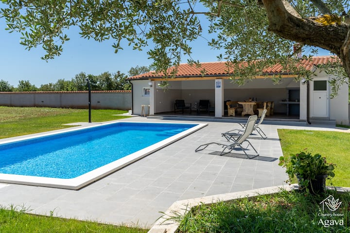 Country house AGAVA with *brand new* swimming pool