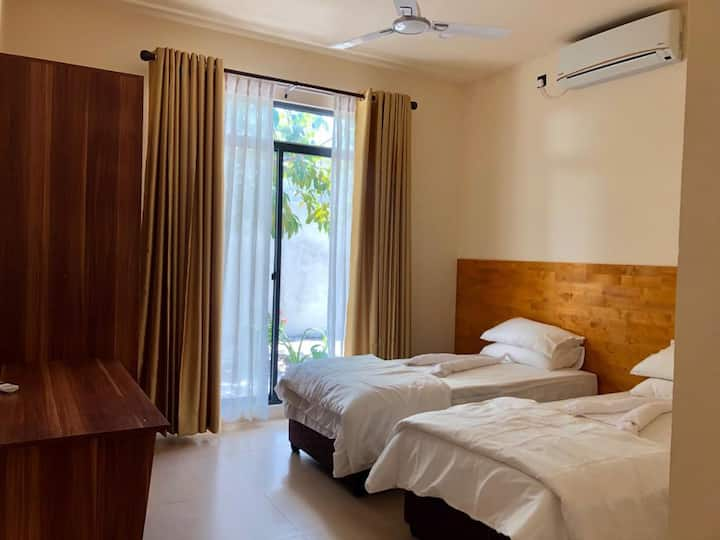 Fanbondi Lodge Fonadhoo Room 103