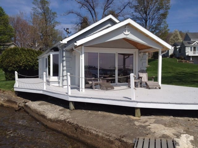 Lakefront house w/private dock - Dewittville - Haus