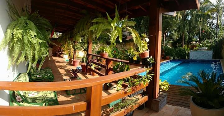 Casa tucano, 350m da praia, piscina , ar cond.