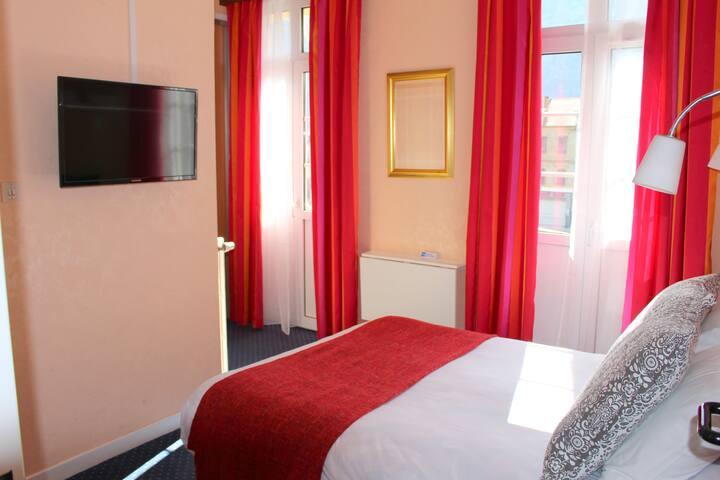 Hôtel Confort **