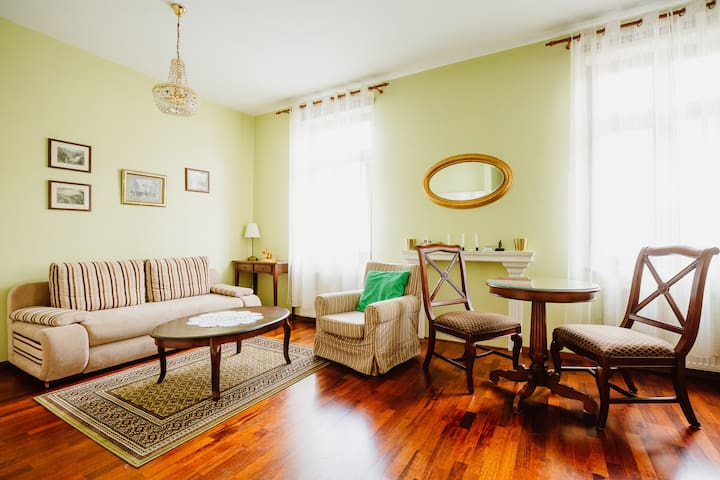 100% cracovian, charming apartment in the center