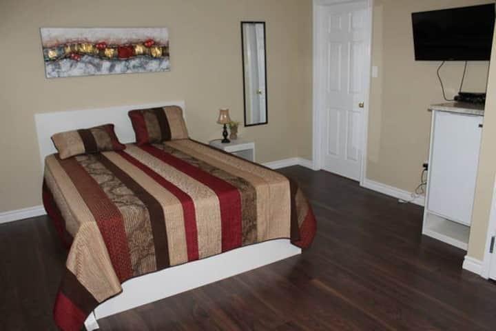 Suite #4 - 1 Queen Bed in Downtown Corner Brook