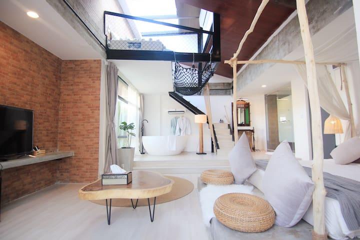 YOLO Bangkok  Hotel IB&BI BTS-MRT-Boat l LOFT