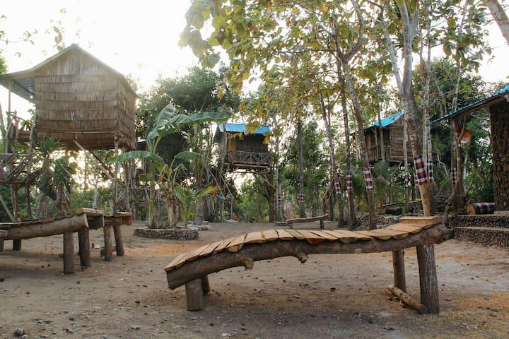 Nyuh Bengkok Tree House #1