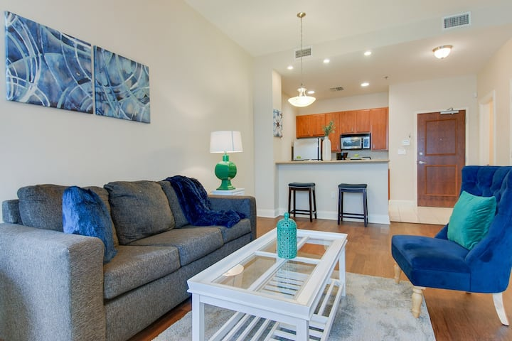 ★ Awesome Condo in Downtown New Orleans ★
