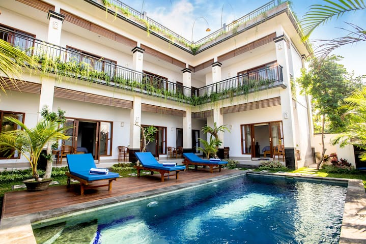 Le Saint Bali: French charm in Canggu (Paris)