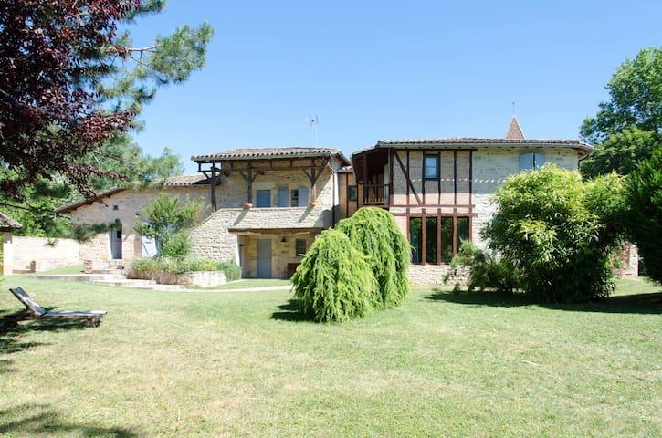 Grande et belle maison ancienne Quercy + piscine