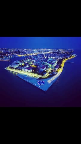 Zadar noću