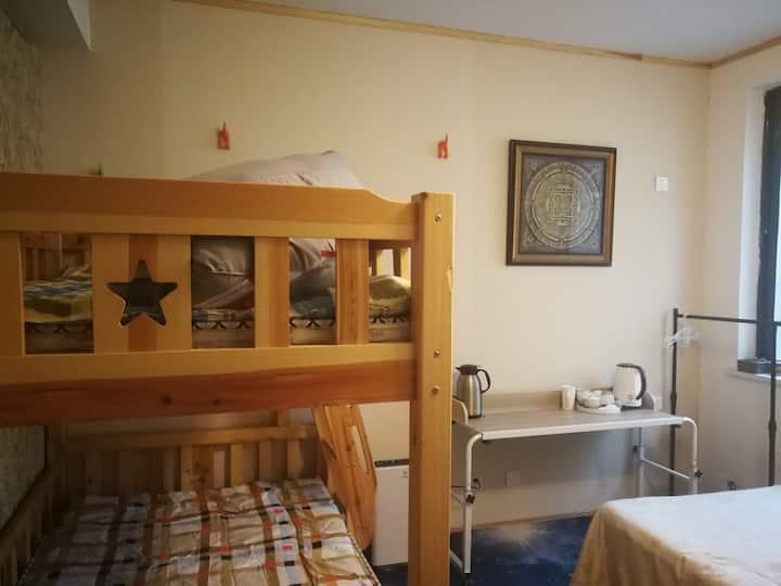 半山堂舒适高低床,上铺(一个床位)