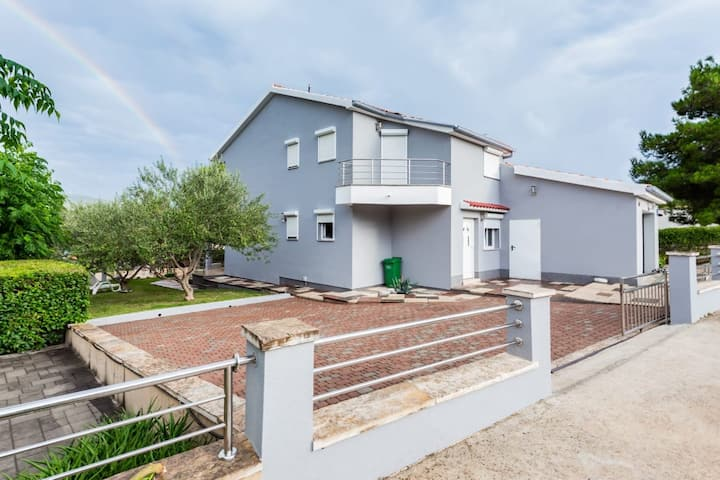 House for 8+2 pers with WLAN in Pridraga R59680