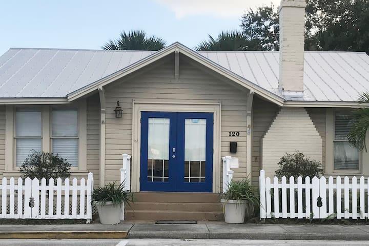 Historical Guest Suite in downtown Stuart, FL