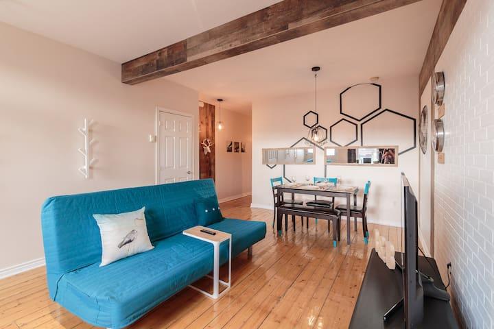 1 bedroom loft apt. Open concept!