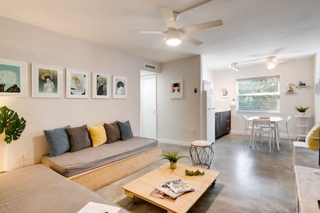 Wynwood Place 3 | Artsy 2 bedroom + FREE Parking