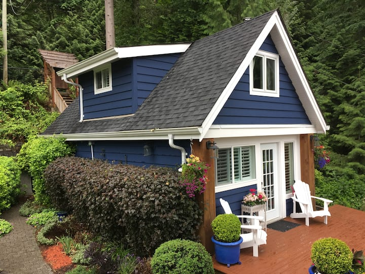Seaside Cottage on Indian Arm North Vancouver
