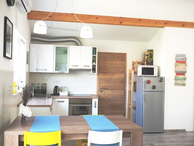 NEW spacious (80m2) modern place in a quiet street