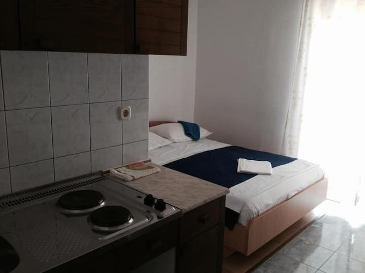 Studio flat with balcony and sea view Gradac, Makarska (AS-14708-b)