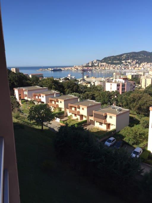 T2 entr e de ville jolie vue mer garage appartements for Location garage ajaccio