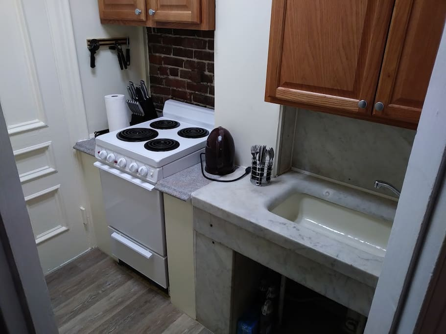 Fully equipped kitchen. Small, but with everything you may need.