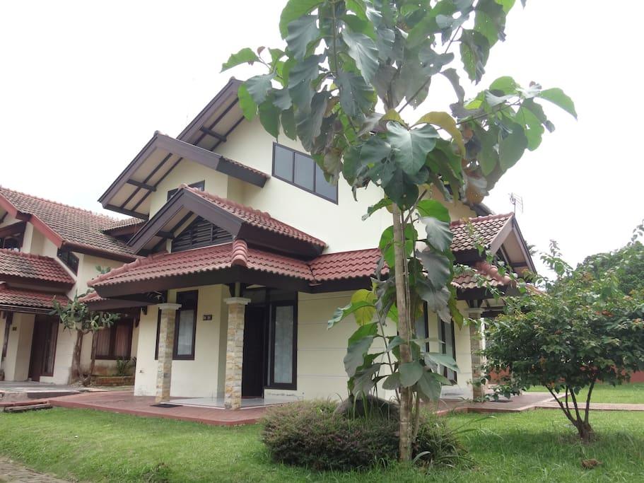 Cozy 2-storey Villa