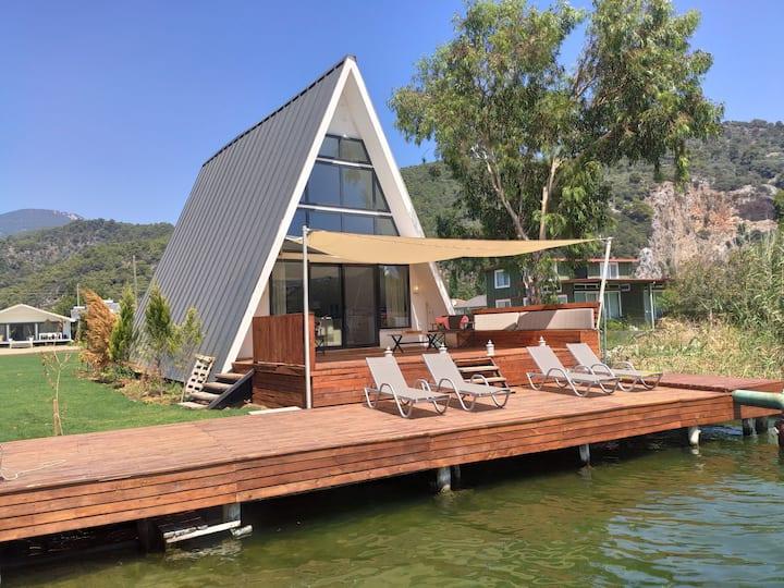 Nova's Riverside Lodges