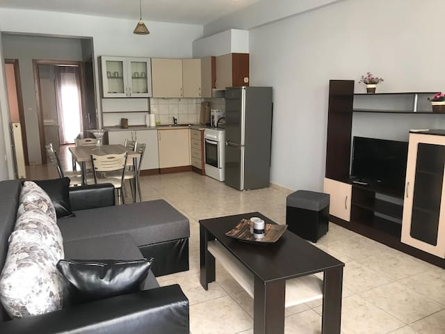 Large apartment 50 meters from the sea